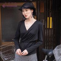生活在左2019秋季女装新品黑色纯棉绣花交襟领长袖t恤女宽松时尚