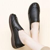妈妈鞋软底单鞋舒适平底防滑老人奶奶皮鞋民族风中老年女鞋春秋款