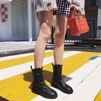 酷酷的,这是一双帅气的短靴~前拉链设计矮粗跟秋冬款女靴