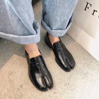 分趾猪蹄单鞋2019秋季韩版百搭方跟中低跟女鞋平底深口小皮鞋 黑色