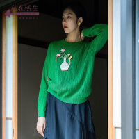 生活在左2019秋季女装新品绿色宽松显瘦纯棉绣花圆领套头毛衣时尚