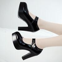 黑色粗跟大码模特旗袍秀防水台单鞋一字扣t台走秀高跟鞋女鞋 漆皮黑 尖头跟高10cm