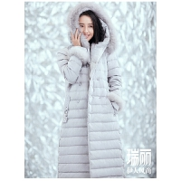 2018佟丽娅同款艾莱依冬季新品施华洛世奇收腰大衣款羽绒服617105077