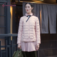 生活在左2018秋冬时装周新款女装可拆卸钩花白鸭绒短款轻薄羽绒服