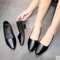 尖头单鞋女平底软底职业空姐女鞋黑色粗跟皮鞋浅口舒适酒店工作鞋