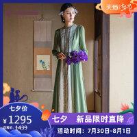 生活在左2019春夏季新款文艺绿色长袖真丝连衣裙桑蚕丝裙子女长裙