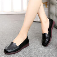 秋季妈妈鞋软底舒适平底中年皮鞋女中老年人女鞋奶奶单鞋