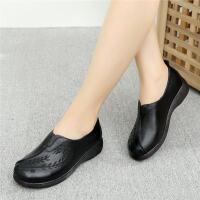 秋季妈妈鞋软底女舒适中年中老年人皮鞋老人奶奶防滑平底单鞋