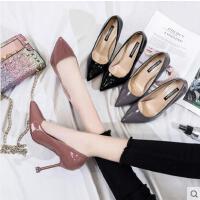 黑色女鞋尖头夜店细跟中跟高跟鞋漆皮工作鞋猫跟单鞋女