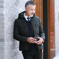 【买了都说好】2018冬季中年男士休闲羽绒服短款中老年男装带帽加厚冬装外套鸭绒