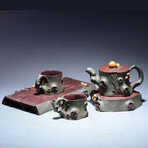 【助理工艺美术师】 顾余根 《枇杷果套壶》紫泥 GJ011
