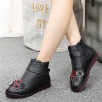 冬季妈妈鞋加绒保暖老人棉鞋中老年人皮鞋女平底女鞋中年短靴