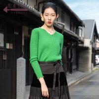 生活在左2019秋季女装新品绿色V领套头打底羊毛衫显瘦短款毛衣女