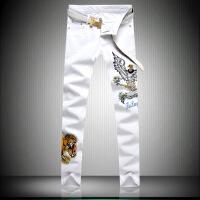 ??新款刺绣牛仔裤男白色绣花裤子韩版修身小脚裤时尚潮流青年长裤潮