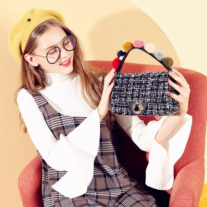 米菲新款毛呢手提包韩版斜挎锁扣包包彩色毛球撞色单肩女小方包
