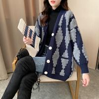 孕妇毛衣开衫洋气外出潮妈外套2020韩版时尚中长款格子上衣