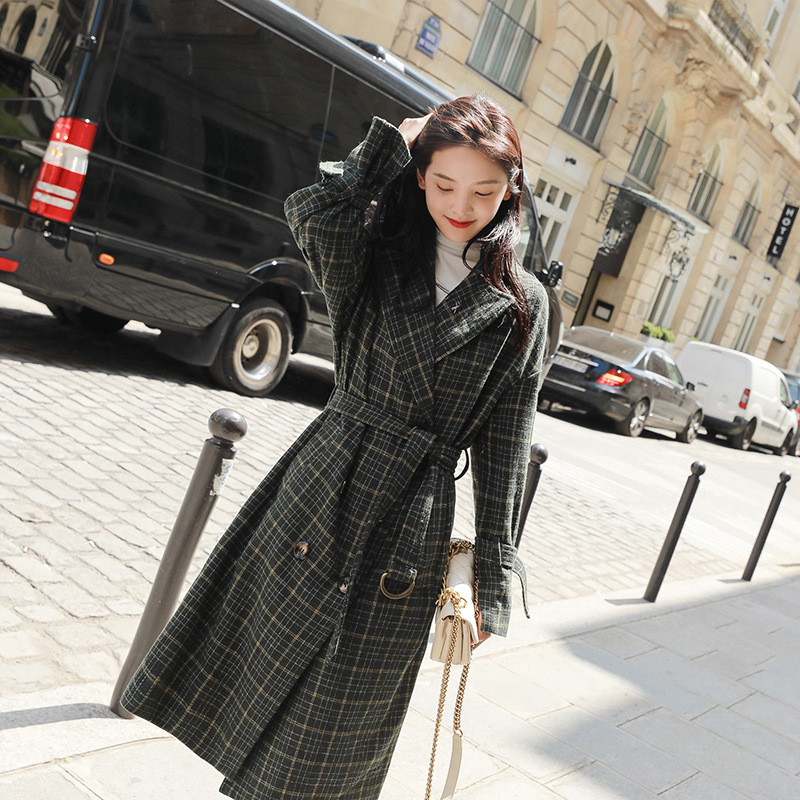 毛呢外套女中长款2018冬季韩版流行赫本格子呢子大衣学生过膝森系 发货周期:一般在付款后2-90天左右发货,具体发货时间请以与客服协商的时间为准