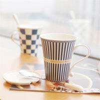 情侣杯水杯套装咖啡杯带盖带勺英伦风 创意陶瓷杯子 马克杯套装