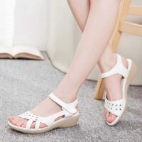 护士鞋白色夏季凉鞋坡跟大码妈妈鞋牛筋底沙滩女鞋